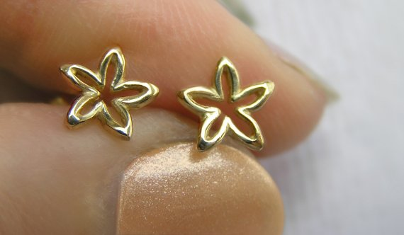 Solid Gold Flower Stud Earrings Dainty Studs Small 14k